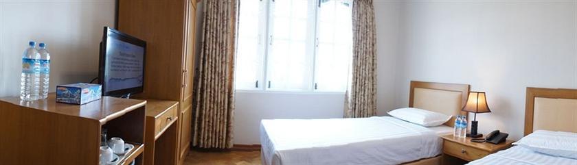 Hotel V A N