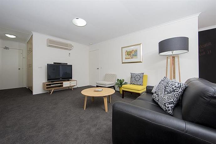 Accommodate Canberra - Kingston Court - dream vacation