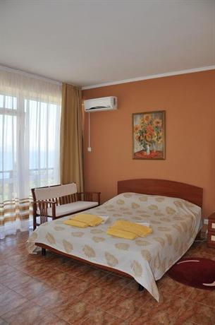 Relax Guest House Alushta - dream vacation
