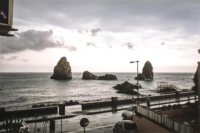 Meravigliosa vista mare davanti ai Faraglioni - dream vacation