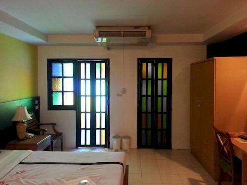 Bangkok Travel Suites - dream vacation