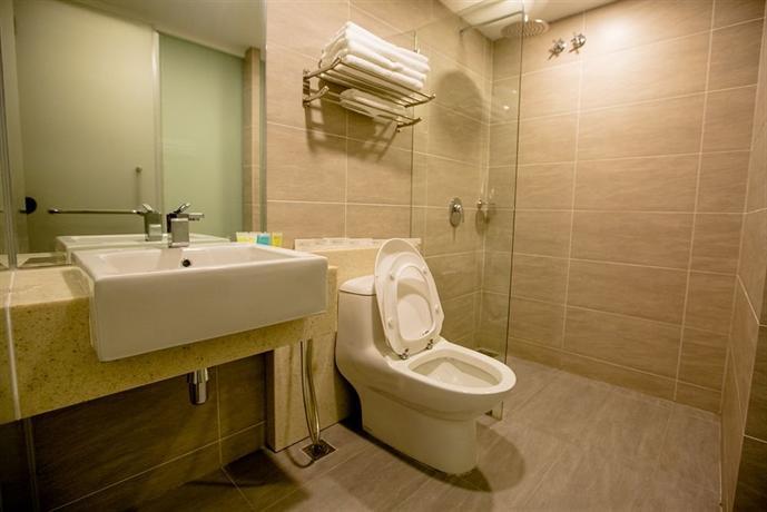 Manhattan Business Hotel Kota Damansara - dream vacation