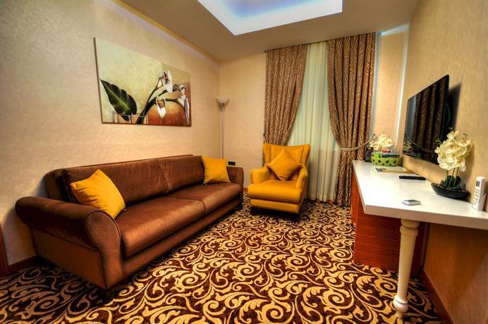 Golden Deluxe Hotel - dream vacation