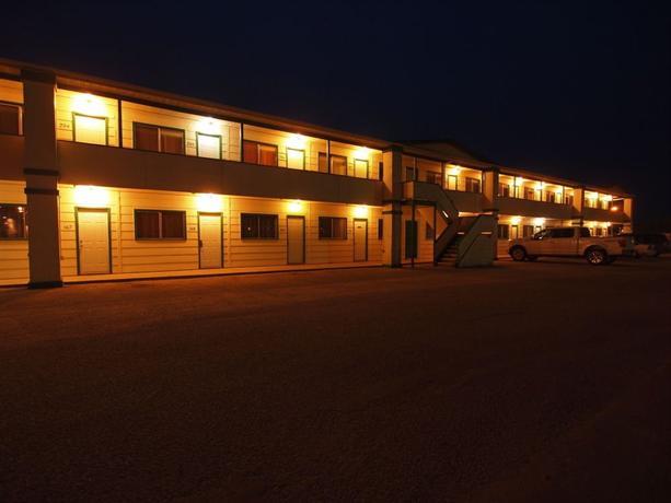 Lakeside Motor Inn Images