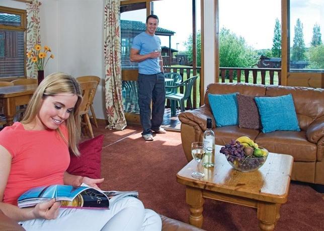 Dollar Riverside Lodges - dream vacation