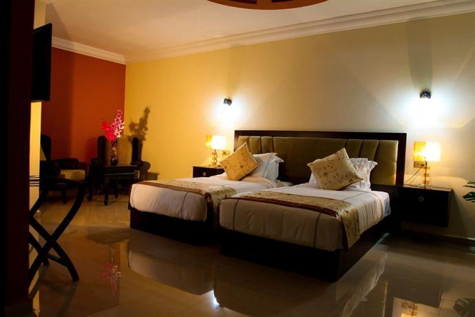 Queen Plaza Hotel - dream vacation