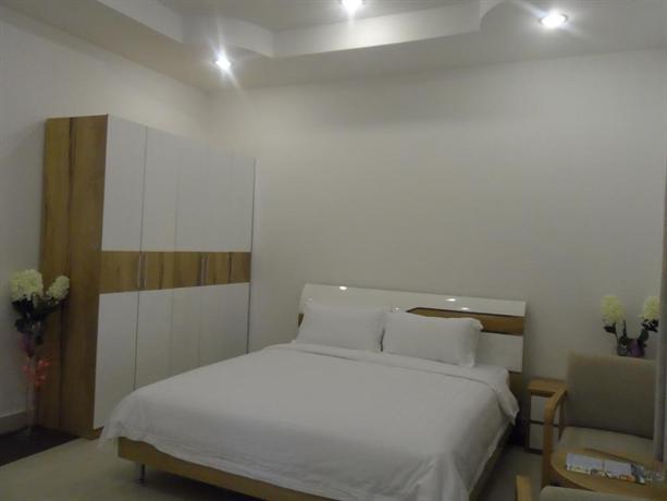Al Mandoos Hotel - dream vacation