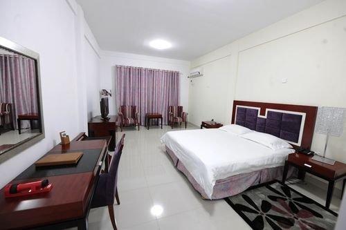 Hotel Ritz Waku-Kungo - dream vacation