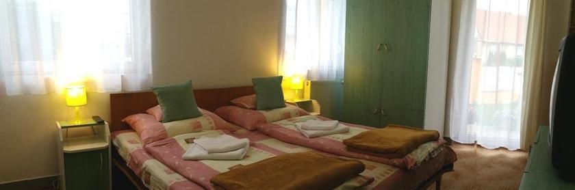 Helena Hotel-Etterem-Campingpark - dream vacation