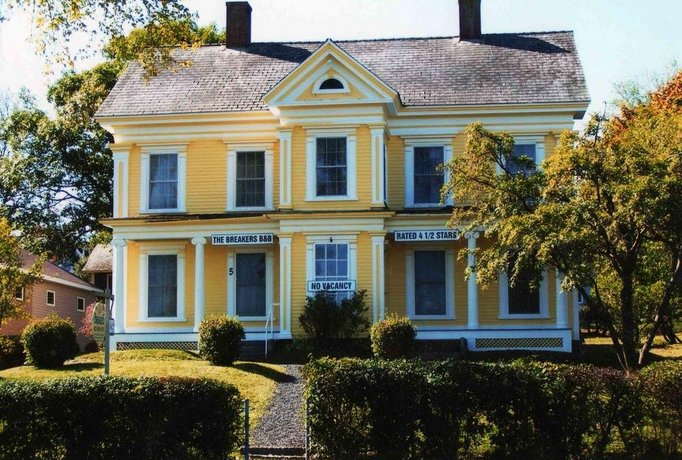 The Breakers Bed and Breakfast Images