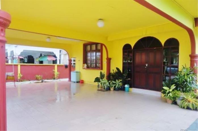 Seroja Guest House Kota Bharu - dream vacation