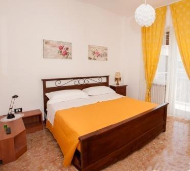Laura Pescara - dream vacation