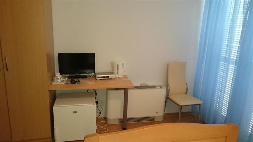 Guest House Lav Primosten - dream vacation