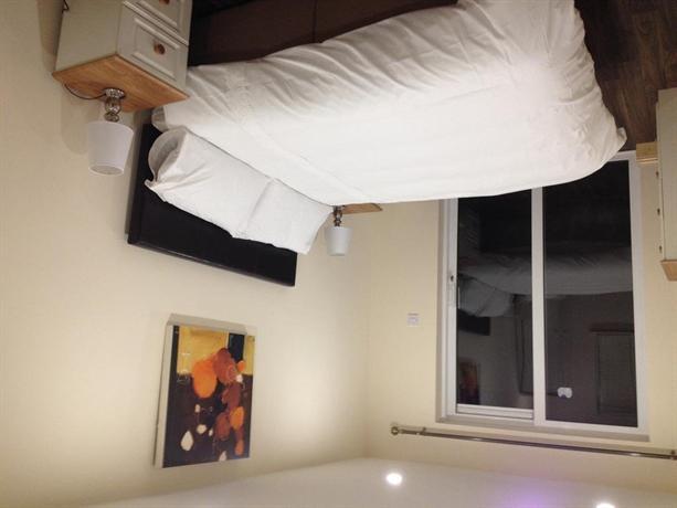 Diamond Accommodation Castlebar - dream vacation