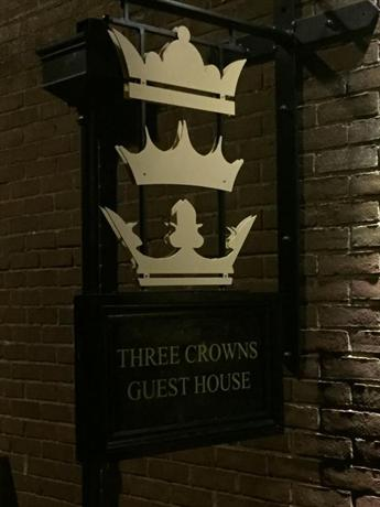 Three Crowns Guest House - dream vacation
