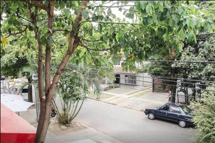 Hostel patio bonito medellin compare deals for Patio bonito