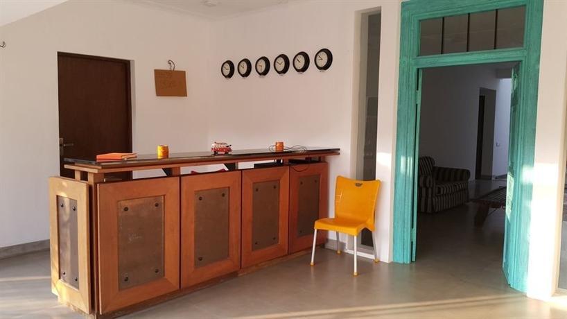 Hangover Hostels Seeduwa - dream vacation