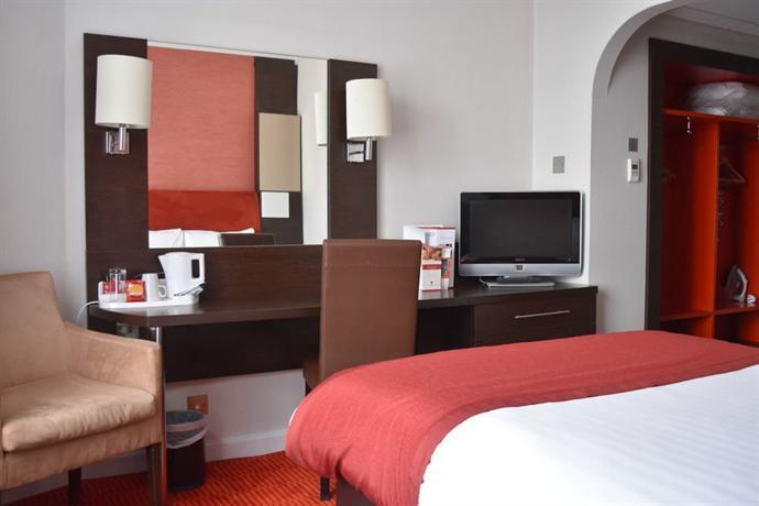 Dragon Hotel Swansea - dream vacation