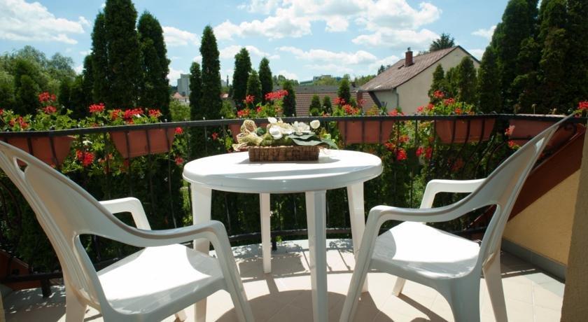Timpa Heviz Apartman - dream vacation