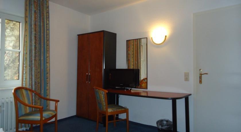 Burg Stuben Hotel Mainz - dream vacation
