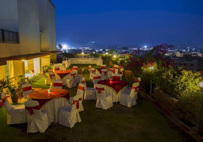 Vesta Maurya Palace - dream vacation