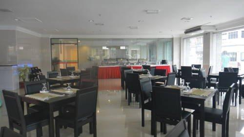 斯拉姆王朝酒店