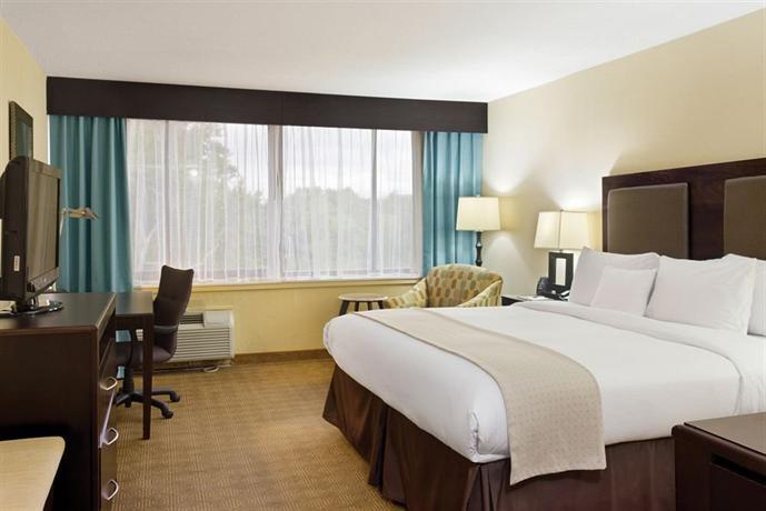 DoubleTree by Hilton Hotel Tinton Falls - Eatontown