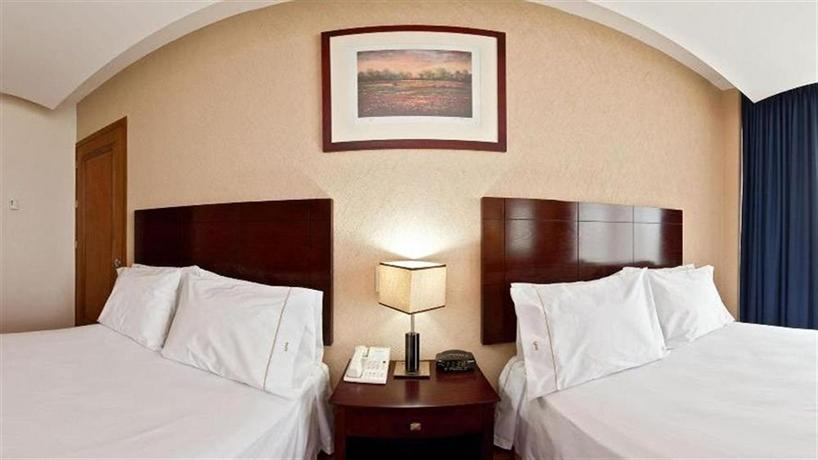 Holiday Inn Express Nuevo Laredo - dream vacation