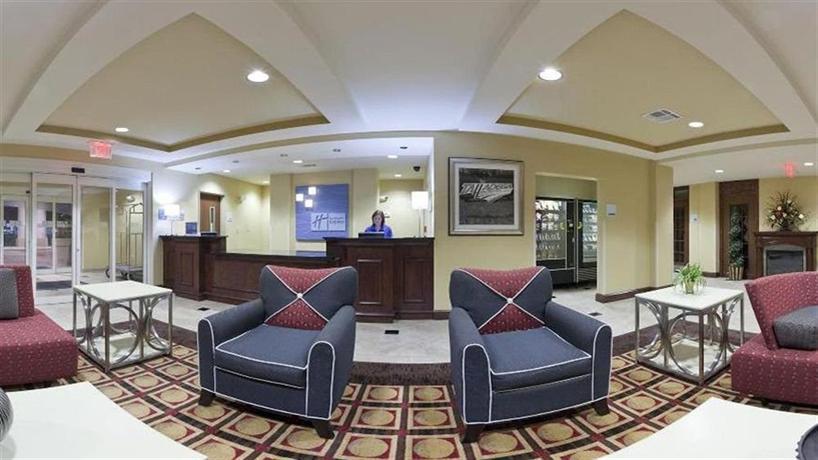 Holiday Inn Express Hotel & Suites Talladega - dream vacation