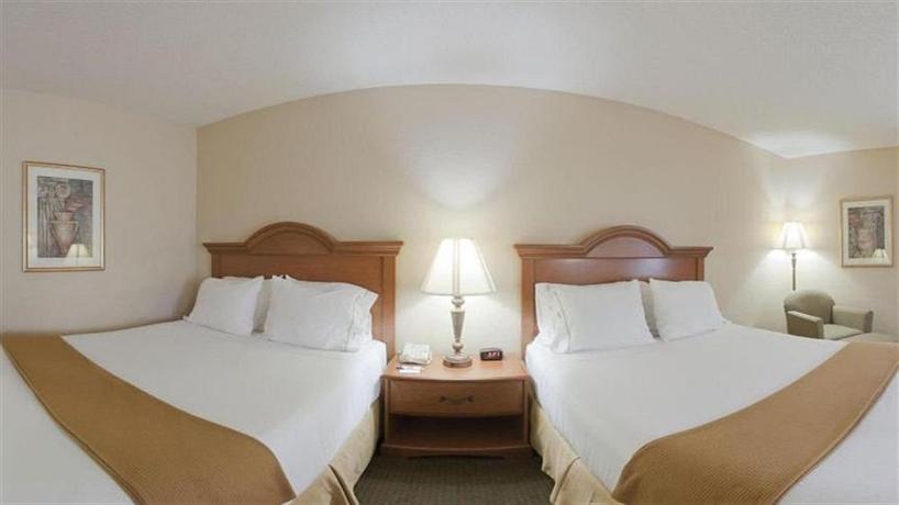 Holiday Inn Express Fultondale - dream vacation