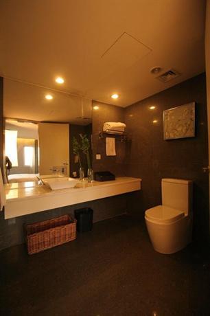 Yi-Wu Commatel Hotel - dream vacation