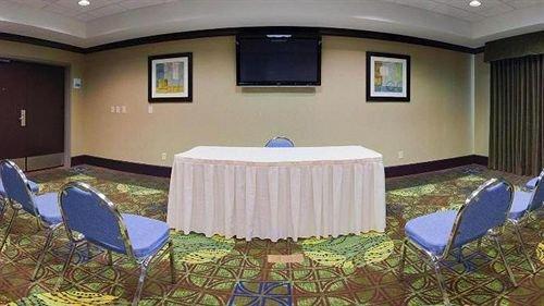 Holiday Inn Express Hotel & Suites Opelika Auburn - dream vacation
