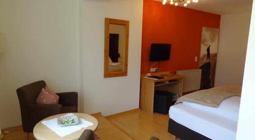 Hotel Landhaus Zillertal - dream vacation