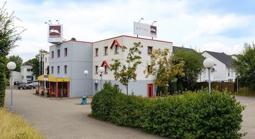 Bon Marche Hotel Bochum - dream vacation