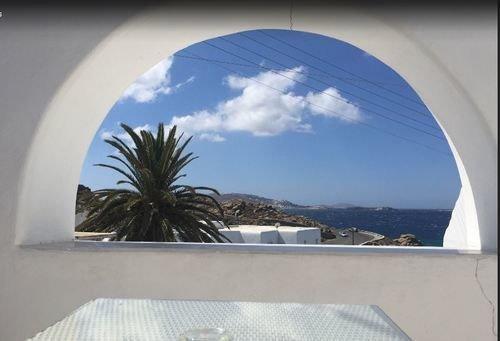 Irini Hotel Tourlos - dream vacation