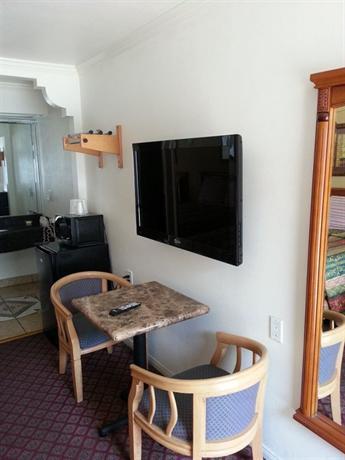 Tower Motel Long Beach - dream vacation