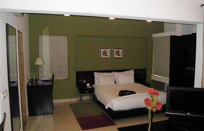 Royal Orchid Golden Suites - dream vacation