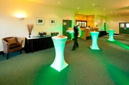 Hamilton Airport Hotel And Conference Centre - dream vacation