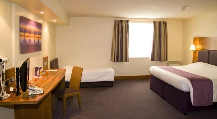 Premier Inn Southampton Eastleigh - dream vacation