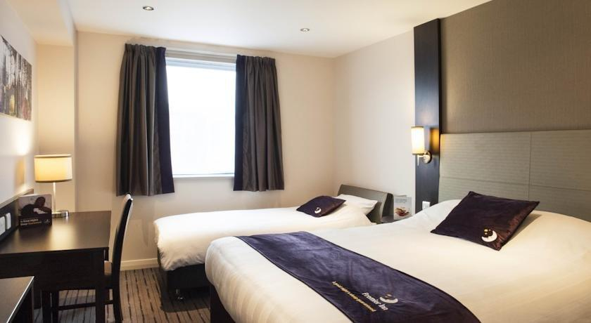 Premier Inn West Huddersfield - dream vacation