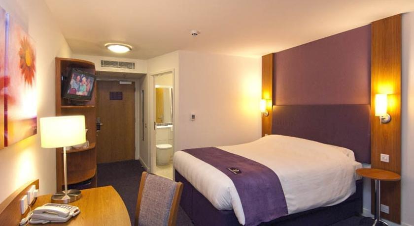 Premier Inn Crewe Central - dream vacation