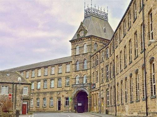 Heritage Serviced Suites Huddersfield - dream vacation