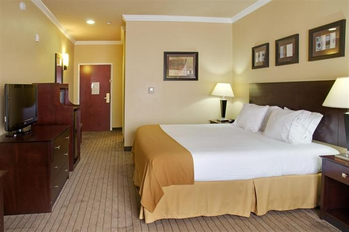 Holiday Inn Express Hotel & Suites Natchitoches - dream vacation
