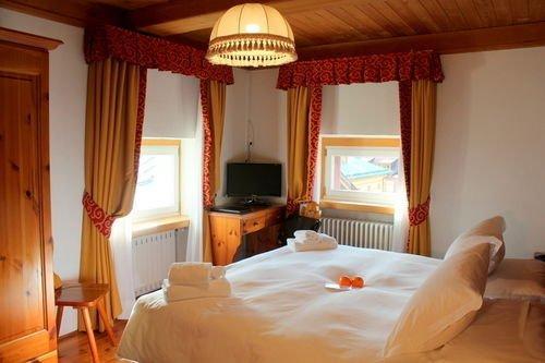 Hotel royal cortina d 39 ampezzo offerte in corso for Hotel meuble royal cortina