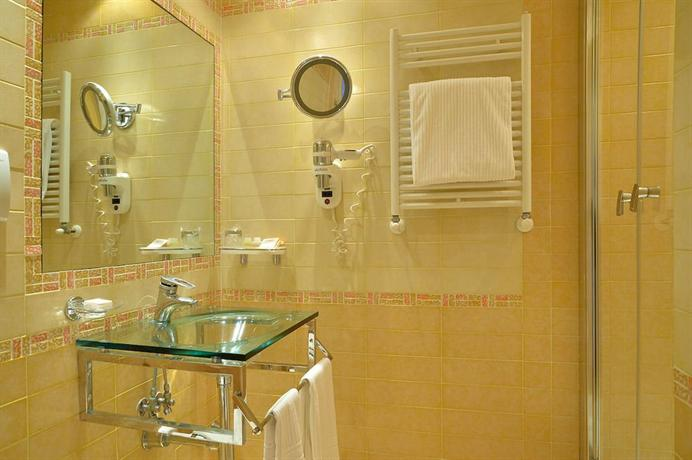 Homs Hotel - dream vacation