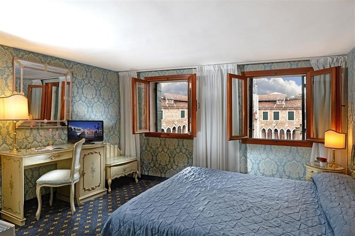 Rialto Hotel Venice - dream vacation