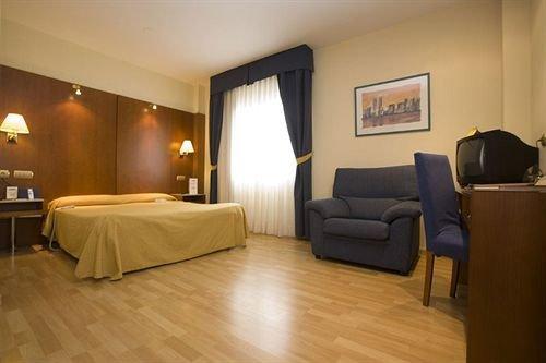 Hotel Ponferrada Plaza - dream vacation