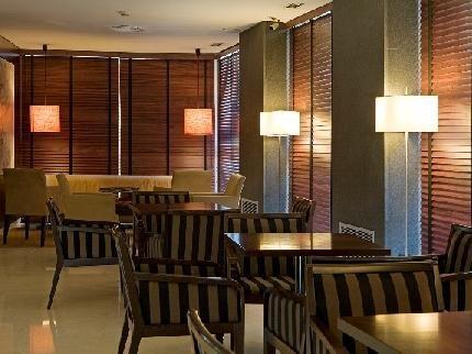 Hotel Zenit Lleida - dream vacation