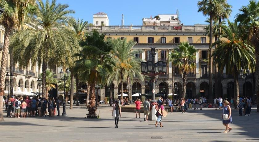 Hotel sant agusti barcelona barcellona offerte in corso for Offerte hotel barcellona