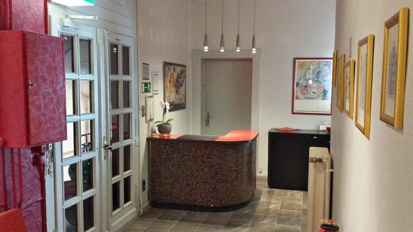 hotel reverey garni hannover compare deals. Black Bedroom Furniture Sets. Home Design Ideas